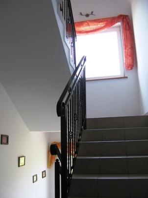 http://www.karwia.ws/klatka-schod.jpg